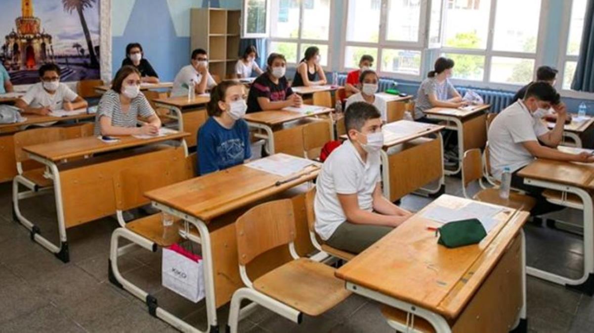 'Çok yüksek riskli' Sinop'ta ek tedbirler art arda geldi: Öğrenciler okulda bulundukları süre içinde dışarı çıkamayacak