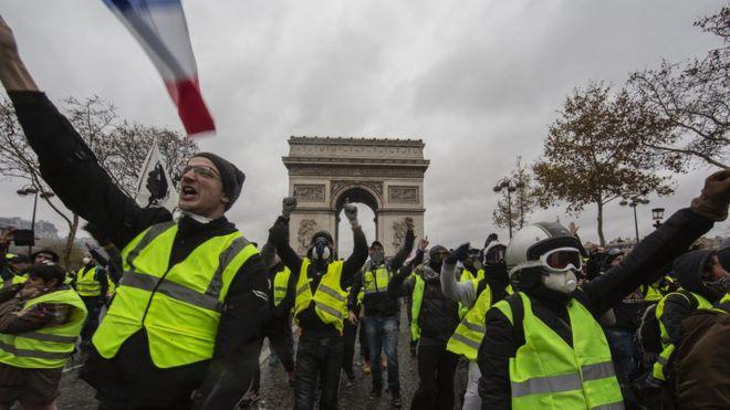 Fransa Hükümetinden Bir Geri Adım Daha
