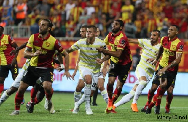Galatasaray Ankaragücü Maçına Forvetsiz Çıkacak