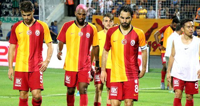 Galatasaraylı Ahmet Çalık, Selçuk İnan ve Şener Özbayraklı, hastaneye yatak ve malzeme yardımında bulundular