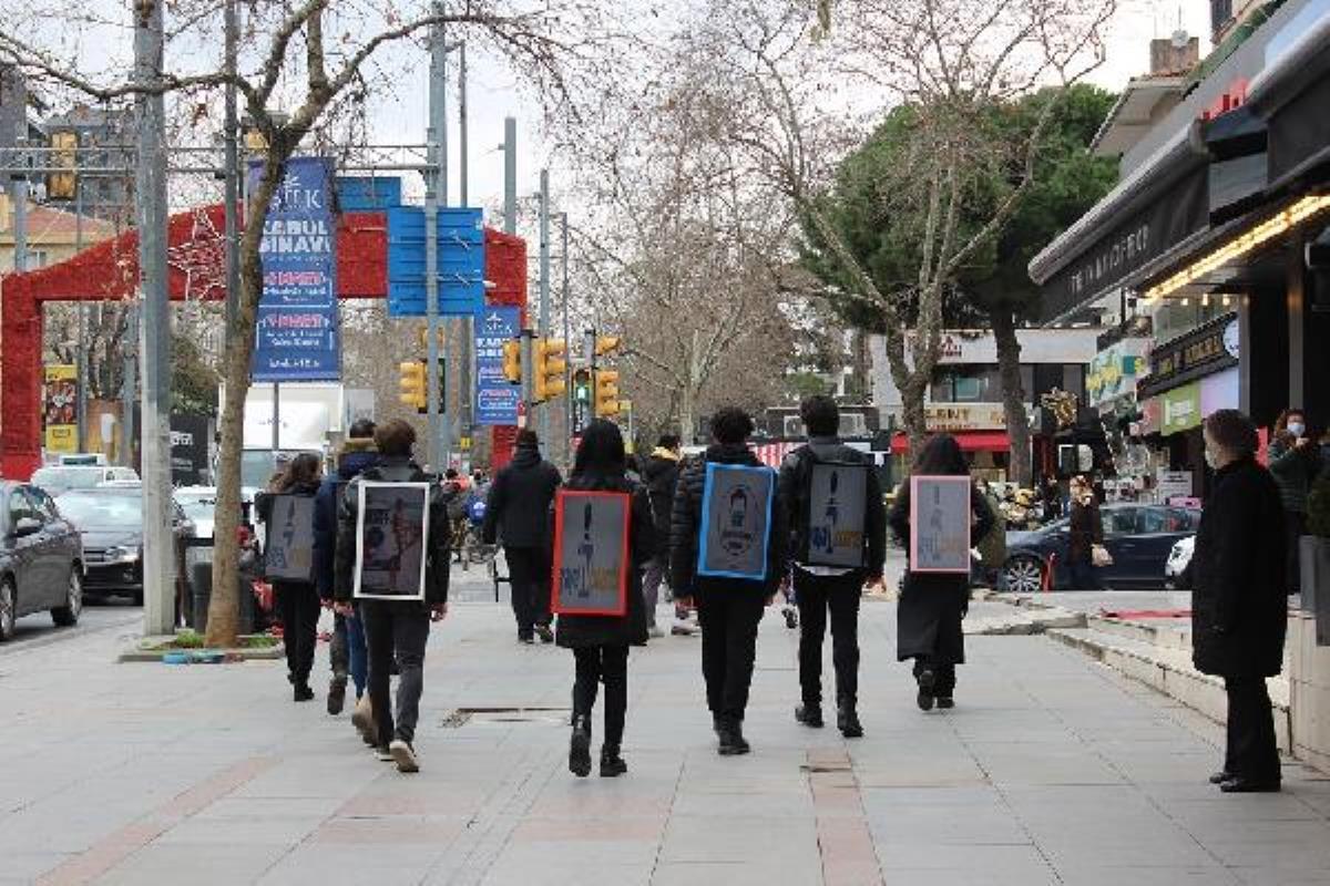 Gençler için yepyeni bir meslek doğdu: Günlük 5 saat yürüyerek 300 lira kazanıyorlar