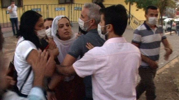 HDP'li vekilden 'Diyarbakır Anneleri'ne hakaret! Gerginliğin büyümesini polis önledi