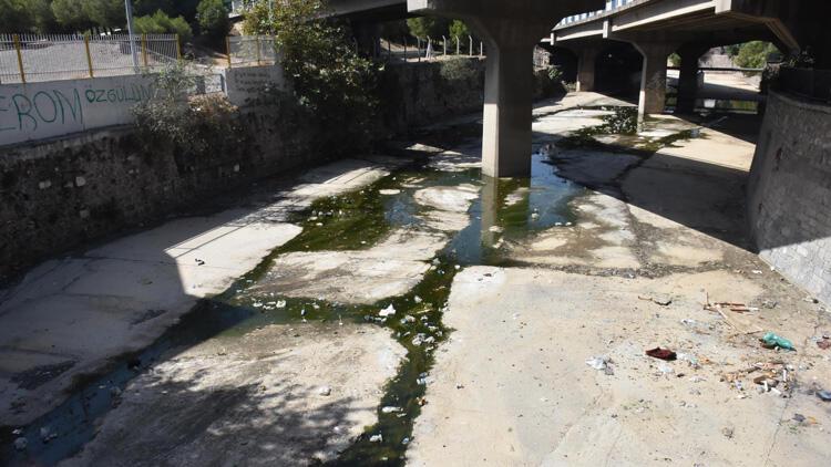 İzmir'de kötü koku isyanı!