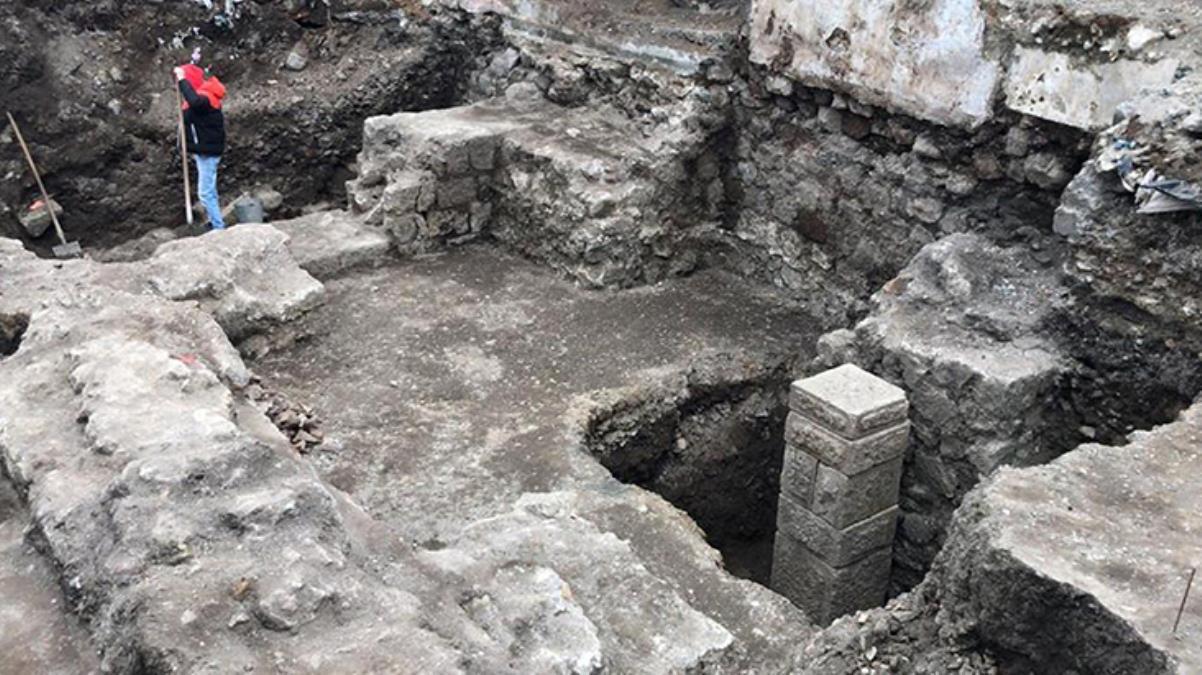 Otopark kazısında 2000 bin yıllık tarihi yapılar keşfedildi
