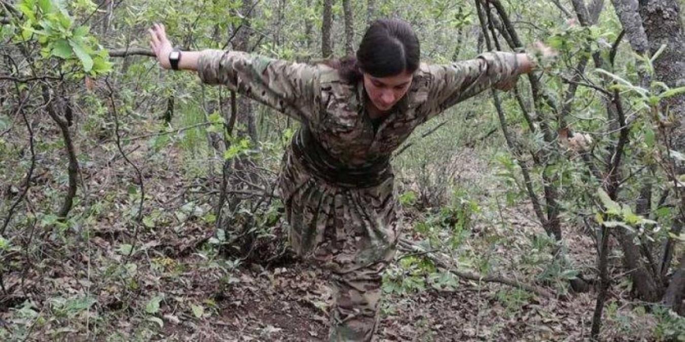 PKK'nın dağdaki balerini! Teröristleri şirin gösterme çabaları bu kez güldürdü