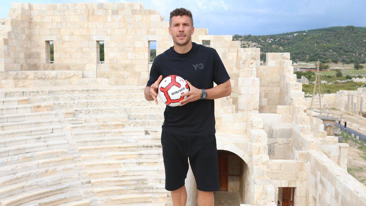 Podolski, Patara'nın tanıtımı için kamera karşısında