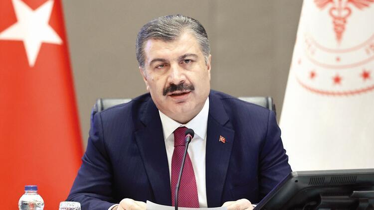 Sağlık Bakanı Fahrettin Koca\'dan taraftarlara Kovid-19 uyarısı