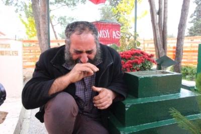 9 Aydır Mezar Başında Yatan Acılı Baba'dan Erdoğan'a Sesleniş