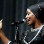 ABD'li şarkıcı Della Miles, ilahi söyledi