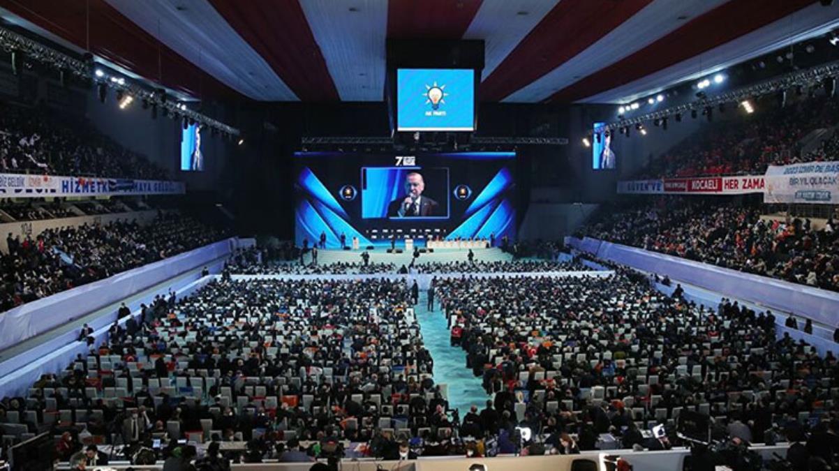 AK Parti'den kalabalık kongre görüntülerine yanıt: Yatay çekildiği için öyle gözüküyor