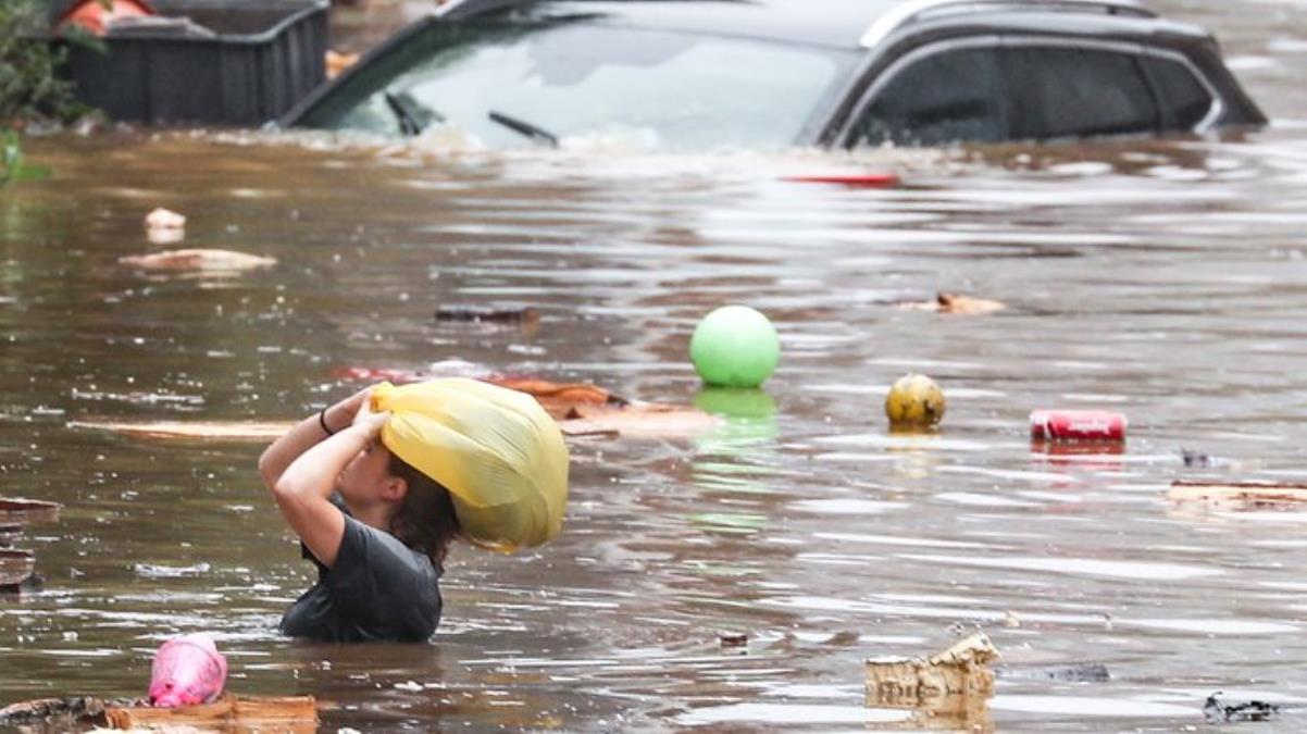 Almanya'daki sel felaketinde ölenlerin sayısı 103'e yükseldi, yüzlerce kişi kayıp