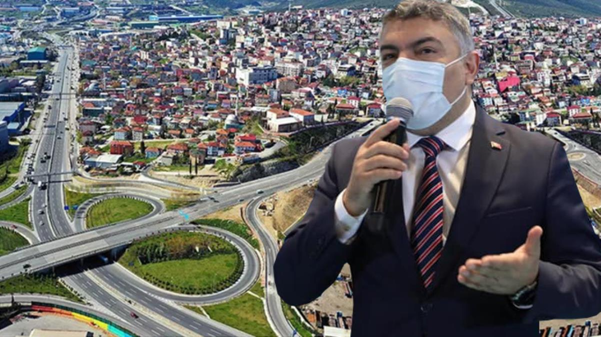 'Atom karınca' lakaplı belediye başkanı, ilçedeki 10 bin öğrenciye tablet dağıtımına başladı