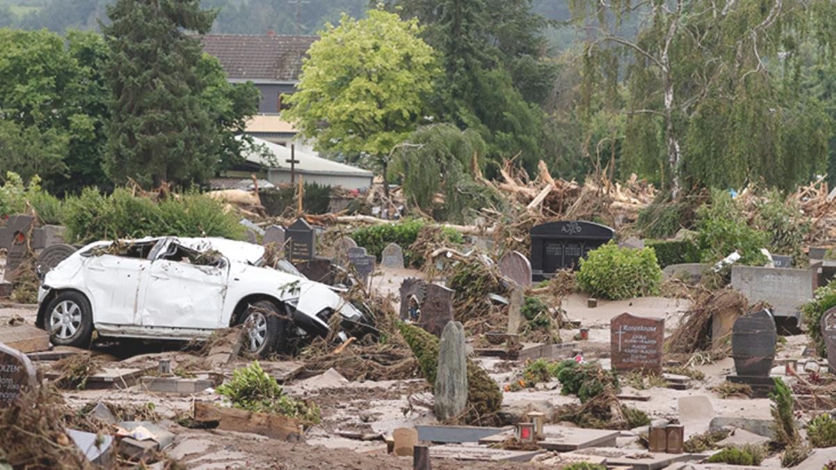 Avrupa, sel felaketiyle boğuşuyor! 5 ülkede hayatını kaybedenlerin sayısı 153'e yükseldi