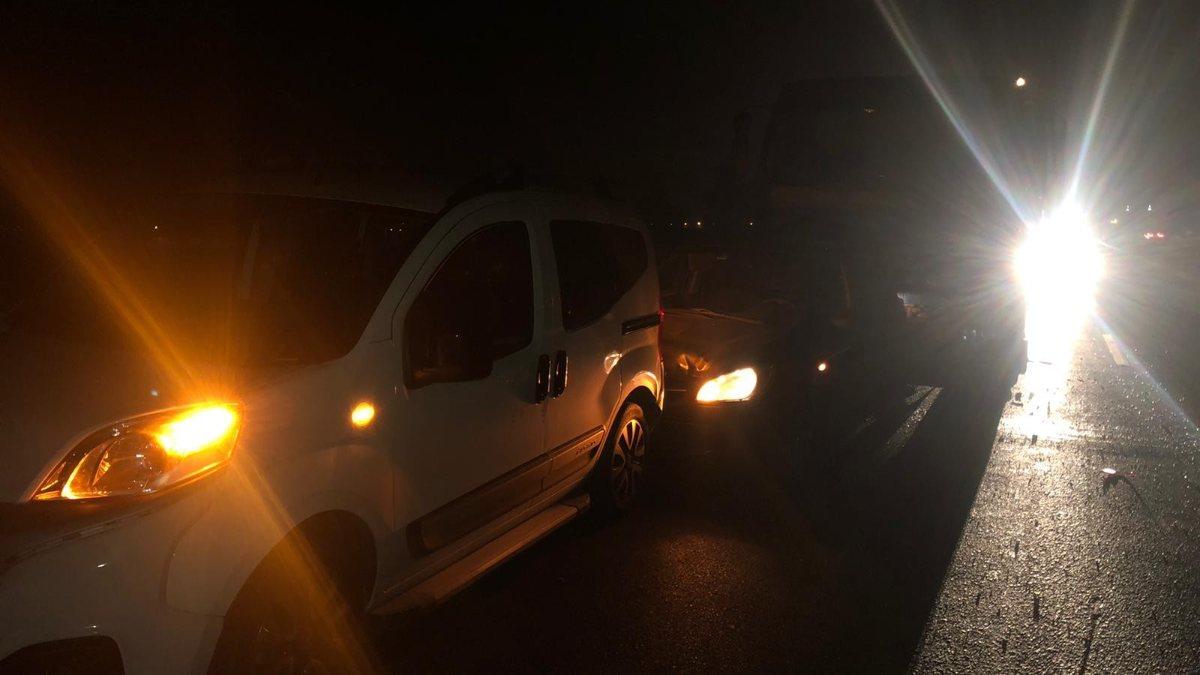 Aydın'da yola düşen lastik, zincirleme kazaya neden oldu