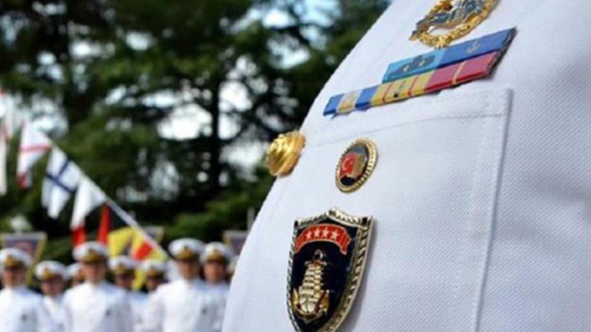 'Bildiri' soruşturmasında emniyetteki işlemleri tamamlanan 14 emekli amiral adliyeye sevk edildi