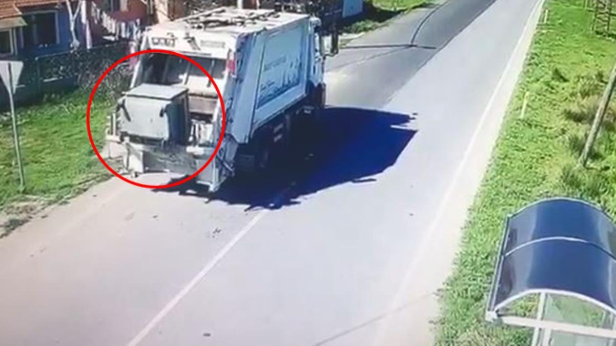 Çöp aracına yüklenerek götürülen konteyner, 2 belediye arasında krize yol açtı