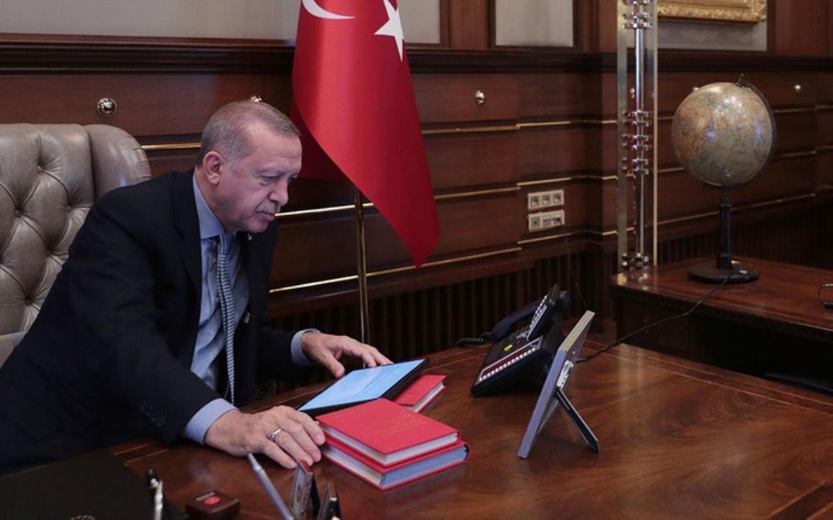 Cumhurbaşkanı Erdoğan, kendisine sunulan çevre anketi sonrası talimatı verdi: Kanal İstanbul'u halka çok iyi anlatın