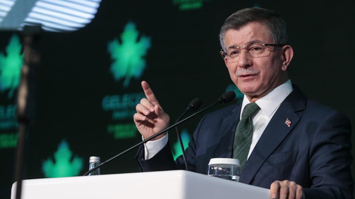 Davutoğlu: AK Parti'de değişen hiçbir şey yok, Kabine revizyonu mecburi hale geldi