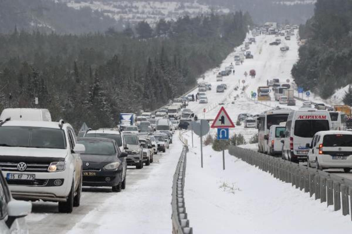 Denizli-Antalya Karayolu, kar nedeniyle ulaşıma kapandı (2)