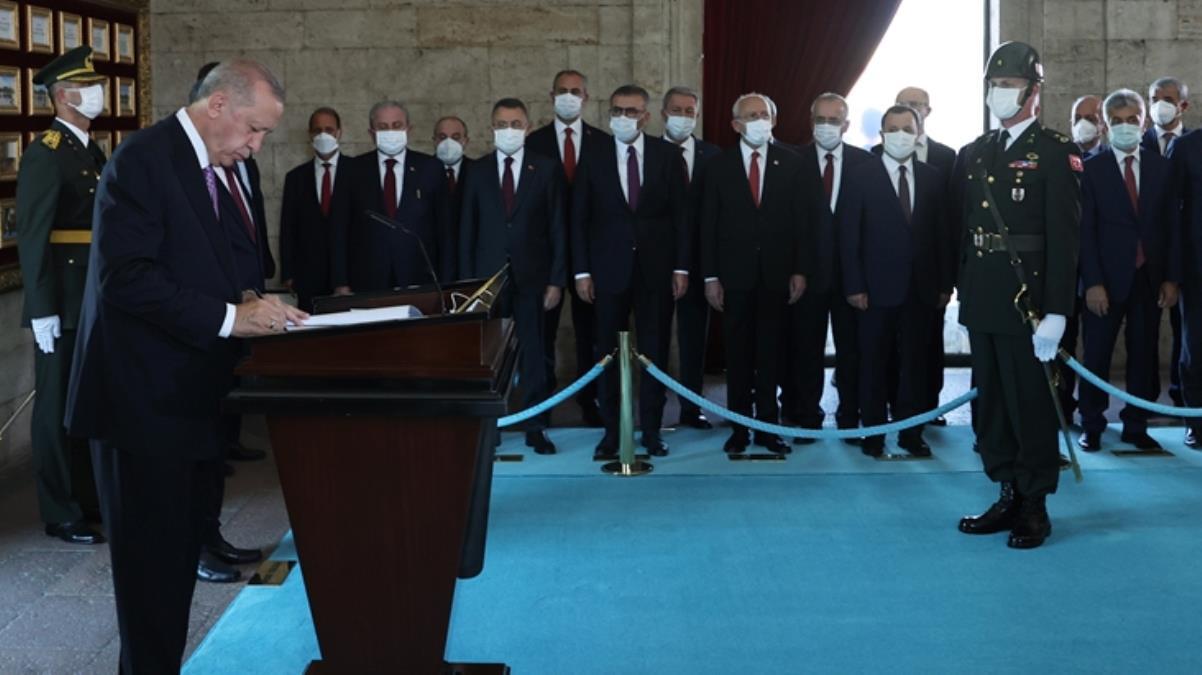 Devlet erkanı Ata'nın huzurunda! Cumhurbaşkanı Erdoğan, Anıtkabir Özel Defteri'ni imzaladı: Türkiye Cumhuriyeti Devleti emin ellerdedir