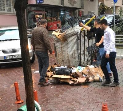 Emniyet Müdürü, Atık Kağıtların Toplanması İçin Yardım Etti