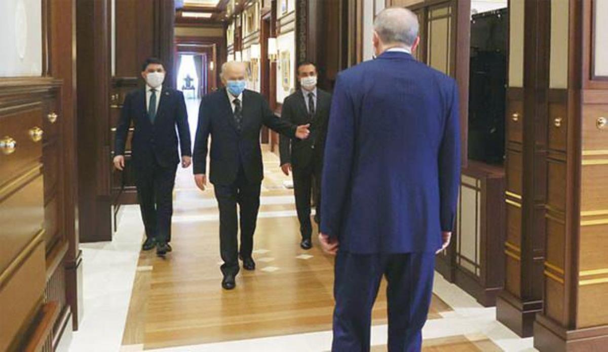 Erdoğan ve Bahçeli yeni anayasa için iki konuda fikir birliğine vardı: Cumhurbaşkanlığı sistemi ve anayasanın ilk dört maddesi