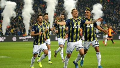 Fenerbahçe'de koronavirüse yakalanan ismin Max Kruse olduğu iddia edildi