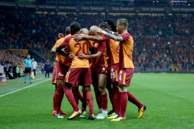 Galatasaray'da Sakat Oyuncular Takımla Çalışmaya Başladı