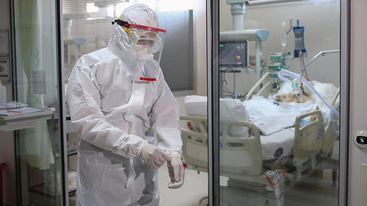 Gidişat hiç iyi değil! Virüsün hedefindeki yaş grubu değişti, yoğun bakımlar dolup taştı