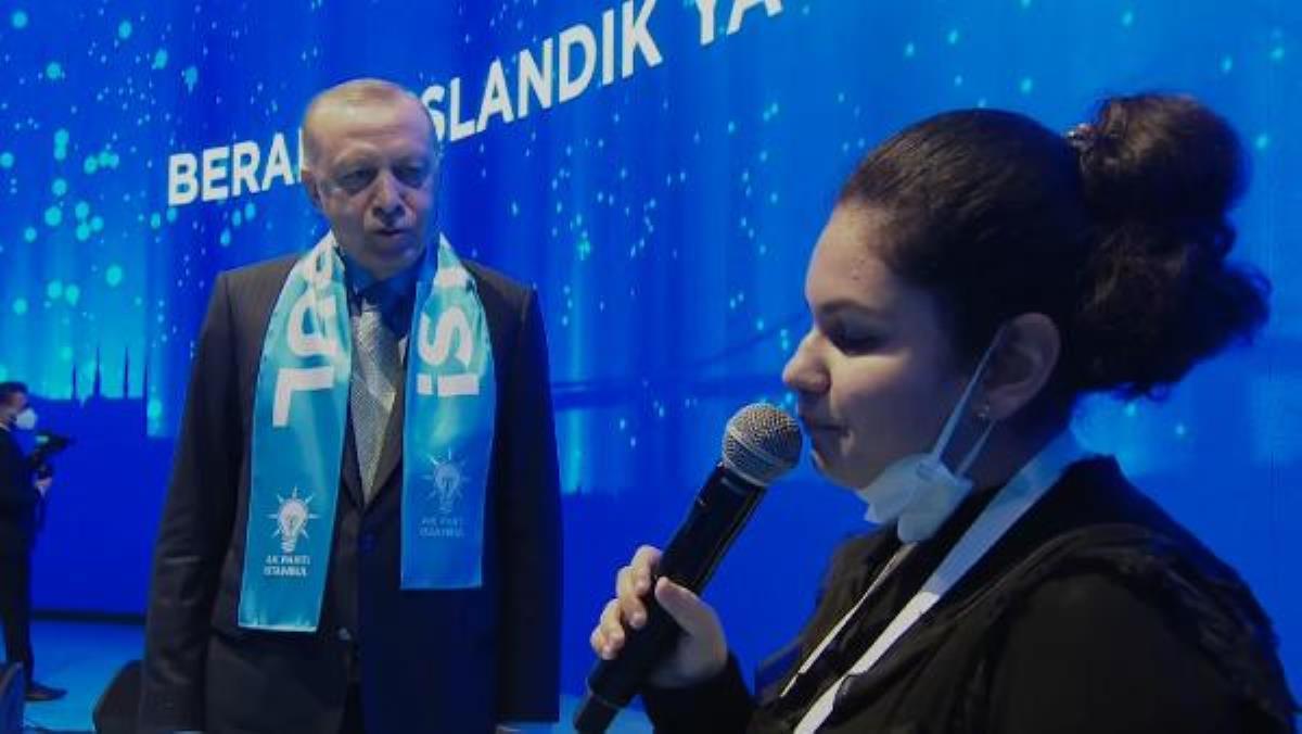 Görme engelli Tuana Şahin, Cumhurbaşkanı Erdoğan'a 'Bana her şey seni hatırlatıyor' şarkısıyla sürpriz yaptı