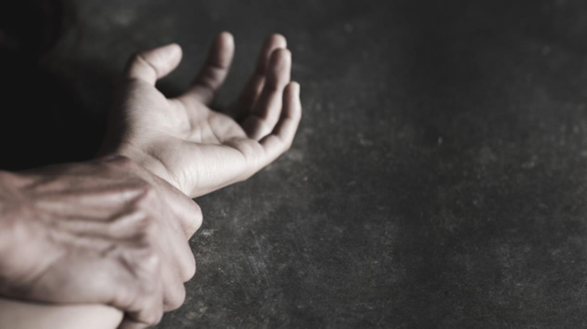 Gözü dönmüş koca, 'Beni aldatıyorsun' dediği karısını genital bölgesine demir çubuk sokarak öldürdü