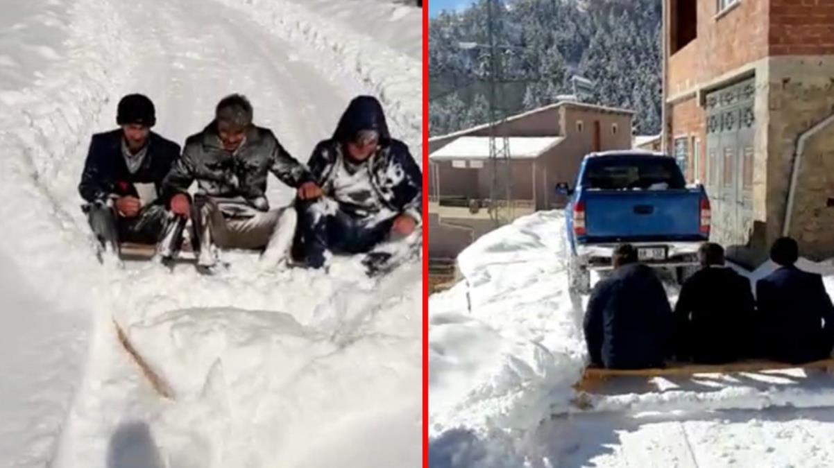 'Her şeyi devletten beklememek lazım' diyerek, 3 kişi bindikleri pikapla kardan kapanan yollarını açtılar