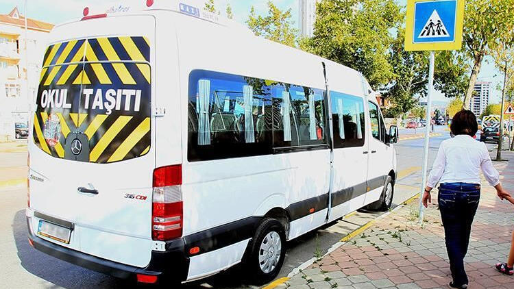 İstanbul'da 15 okul servisi aracı trafikten men edildi