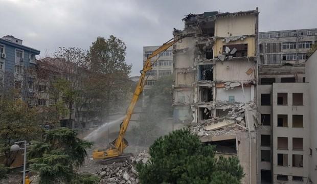 İstanbul Üniversitesi Diş Hekimliği binasında yıkım başladı