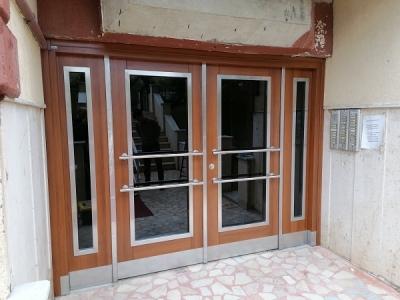 İstanbul'da Apartman Kapıları