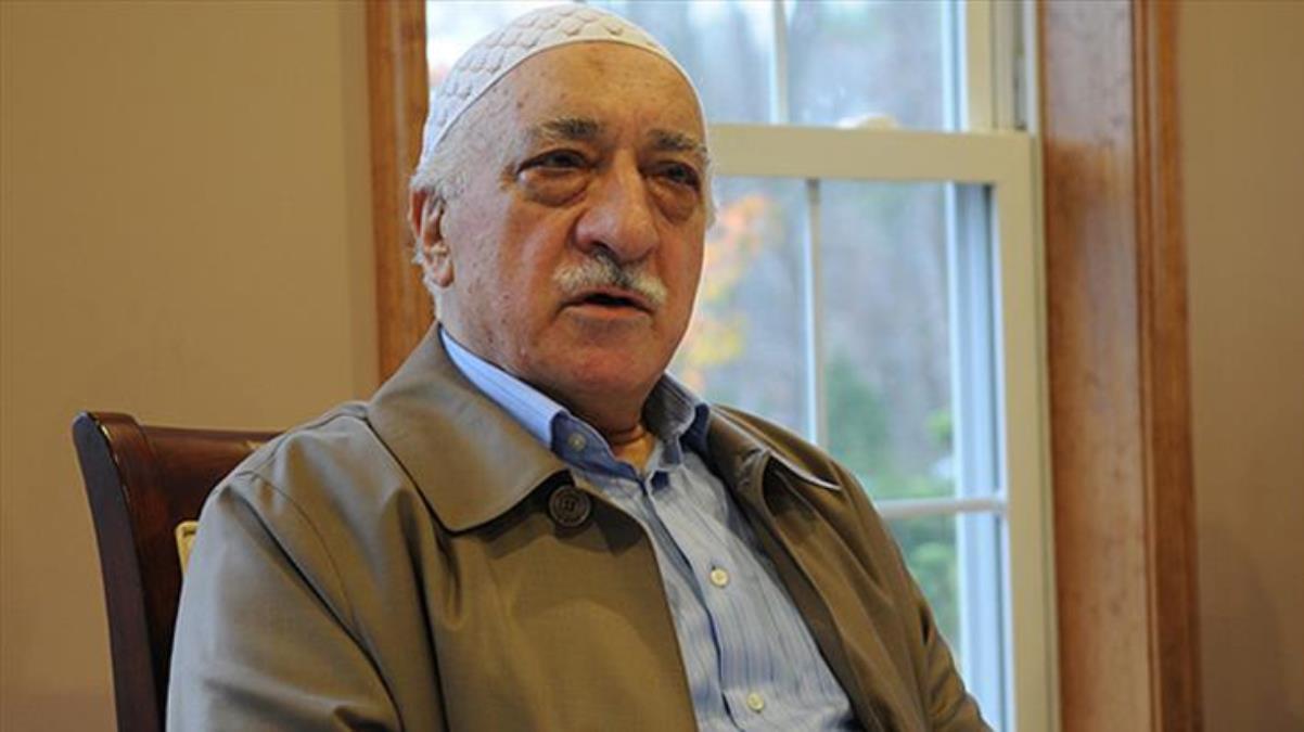 İtirafçı olan FETÖ'cü: Motivasyonu artırmak için Fetullah Gülen'in atletinden parça hediye edildi