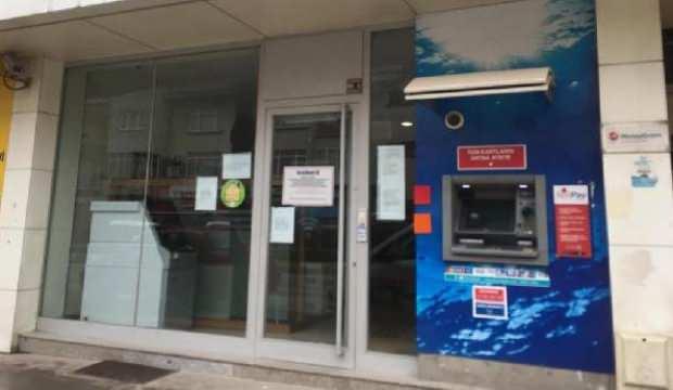 Koronavirüs şüphesiyle banka şubesi kapatıldı