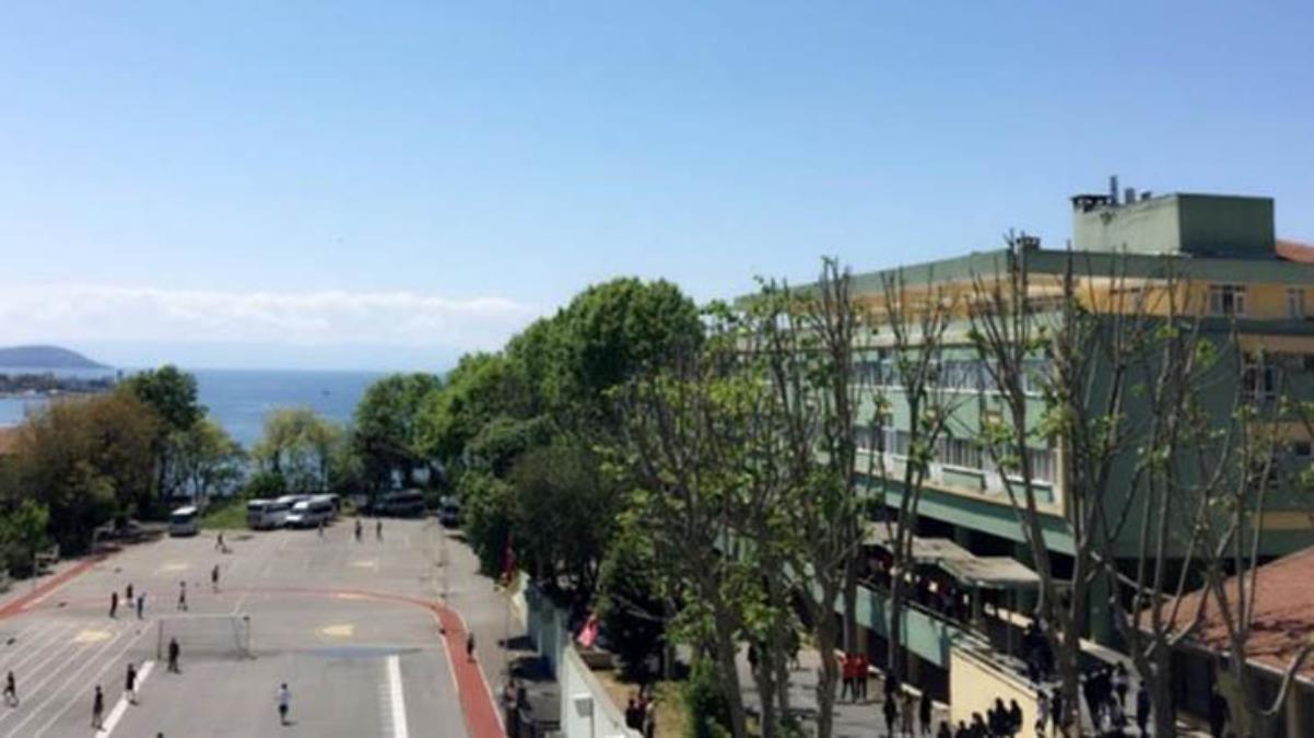 MEB, Kadıköy Anadolu Lisesi'ne düşük puanla öğrenci nakledildi iddiası sonrasında soruşturma başlattı