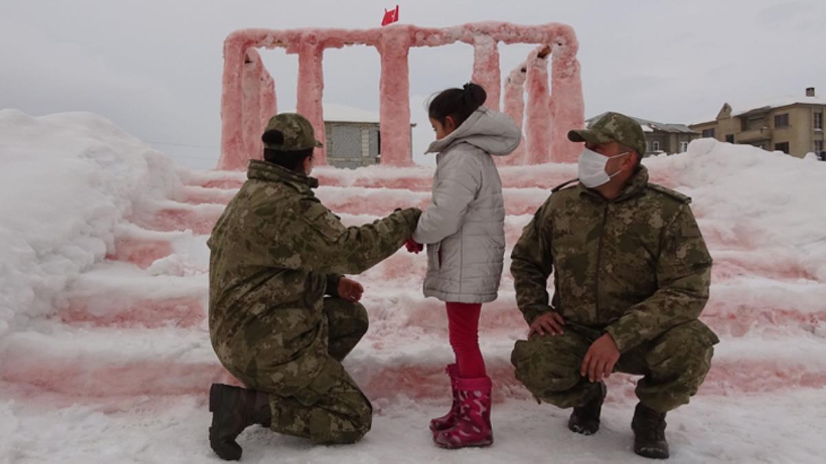 Minik Hira'nın Anıtkabir hayali gerçek oluyor! Bakan Akar, Ankara'ya davet etti