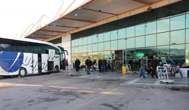 Mülteciler terminallere akın etti