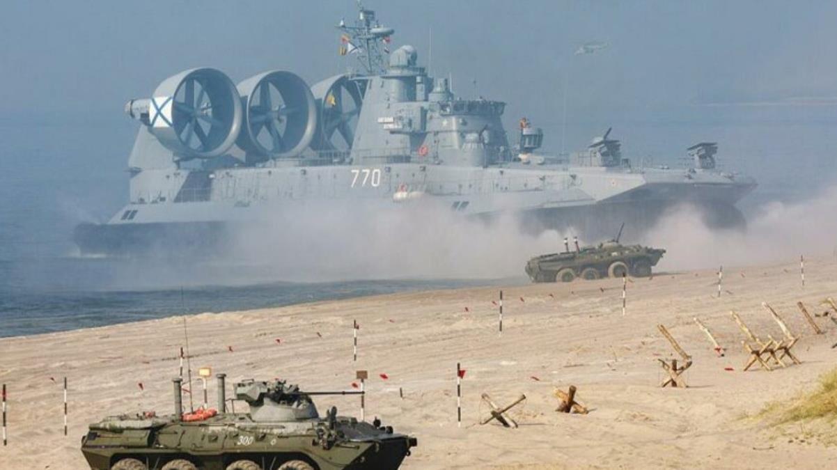 NATO ile tansiyonun zirvede olduğu dönemde kritik tatbikat Rusya ve Belarus resmen gövde gösterisi yaptı