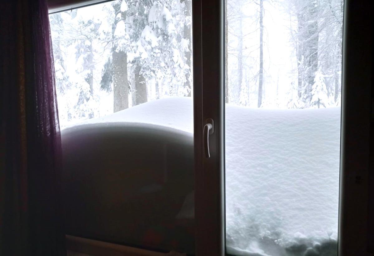 Nisan karı şaşırttı, kar kalınlığı 120 santimetreyi buldu