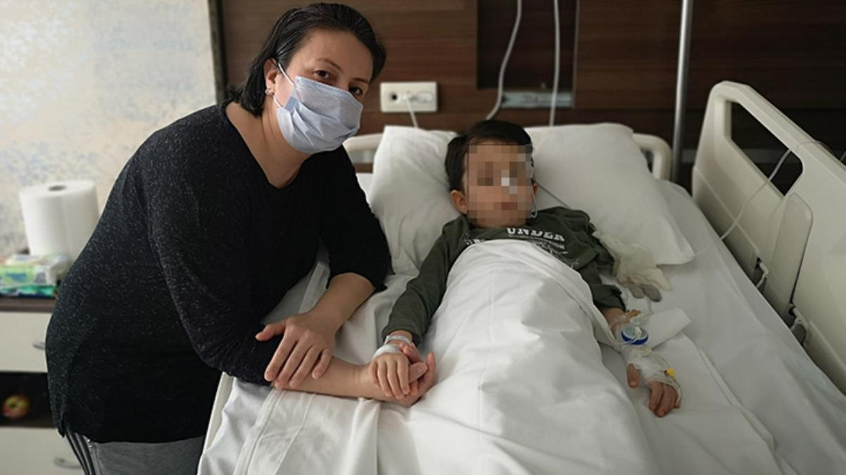 Şiddetli karın ağrısı şikayetiyle hastaneye götürülen 4 yaşındaki çocuğun bağırsağından 19 tane mıknatıs çıktı