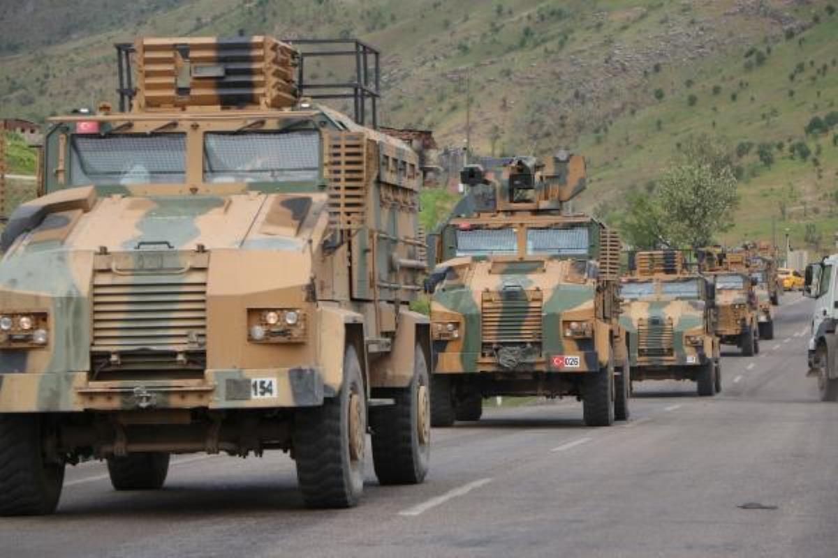 Şırnak'tan sınıra özel birlikler sevk edildi! Terör hedefleri yerle bir ediliyor