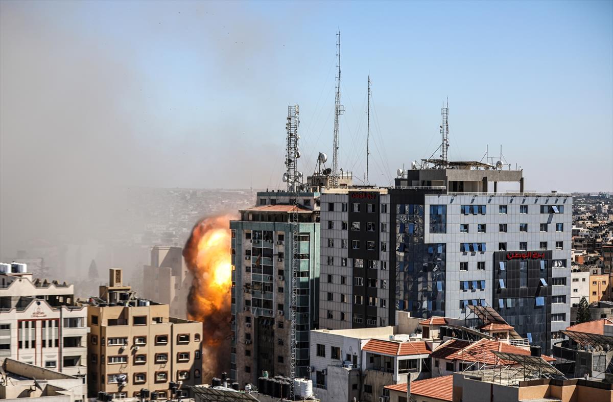 Son Dakika: Beyaz Saray'dan medya kuruluşlarının olduğu binayı vuran İsrail'e uyarı
