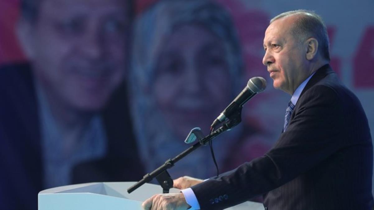 Son Dakika! Cumhurbaşkanı Erdoğan, CHP'nin hedefindeki Berat Albayrak'ı göklere çıkardı: Kazanımların altında onun imzası var