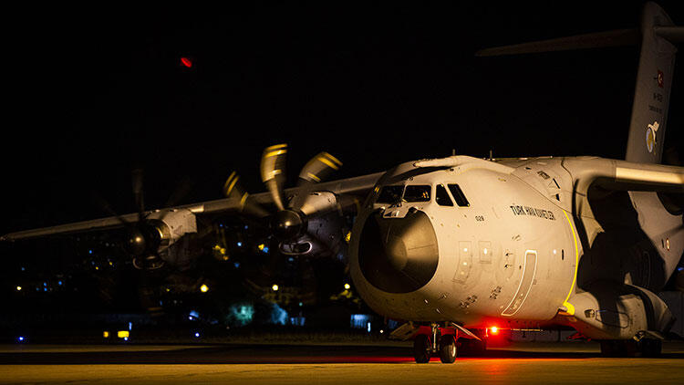 Son dakika haberi: Türkiye'den Beyrut'a yardım götüren uçak hareket etti