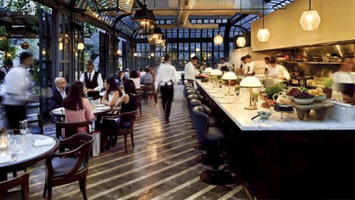Son Dakika: Restoran ve kafeler 64 ilde saat kısıtlaması ve kapasite şartıyla açıldı