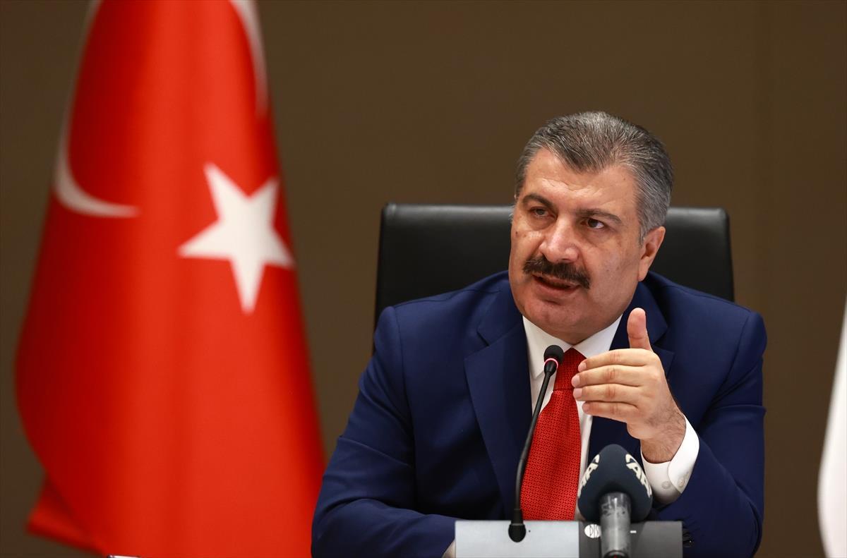Son Dakika! Sağlık Bakanı Koca: İstanbul'da vaka sayısı ve poliklinik başvuruları yüzde 65 azaldı