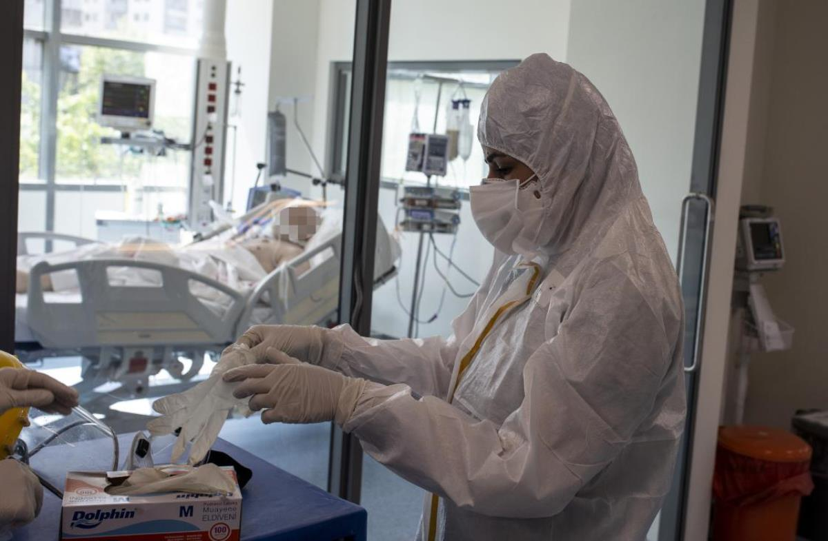 Son Dakika: Türkiye'de 22 Temmuz günü koronavirüs nedeniyle 52 kişi vefat etti, 9 bin 586 yeni vaka tespit edildi